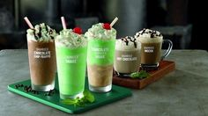 """Mint and chocolate lovers rejoice! McDonald's is adding four new """"Chocolate Shamrock Shakes"""" to its menu. Mocha Chocolate, Chocolate Shake, Cute Food, Yummy Food, Healthy Food, Secret Menu Items, Fast Food Items, Shamrock Shake"""