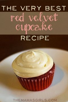 Red Velvet Cupcakes with Cream Cheese Frosting.what makes it unique is the addition of marshmallow fluff in the cream cheese frosting Red Velvet Cupcakes, Best Red Velvet Cupcake Recipe, Mocha Cupcakes, Strawberry Cupcakes, Vanilla Cupcakes, Banana Cupcakes, Cupcake Recipes, Baking Recipes, Cupcake Cakes