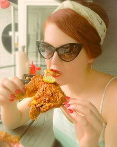 Nashville fried chicken and Black Retro Pointed Cat Eye Sunglasses - unbeatable, darlings. @misserinmcgee