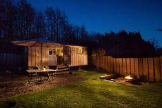 There are hundreds of thousands of motel and hotel rooms around the globe that scream contemporary elegance. Many are within the confines of a concrete jungle, Shepherds Hut, The Shepherd, Natural Pond, Log Burner, Weekends Away, Concrete Jungle, Tiny House Design, Coastal Style, House Tours
