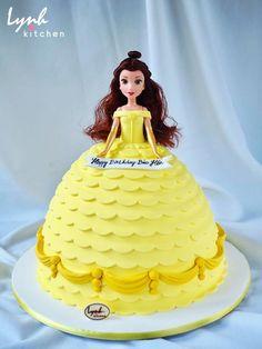 Mọi người nhận ra ai đây không ?! Đúng rồi, công chúa Belle trong phim hoạt hình Beauty And The Beast đó mà :) #lynhkitchen #Chocolatecake #Delicious #Cakeforchildren #Cakeforgirl #disneycake #fondantcake #princesscake #beautyandthebeastcake Để được hỗ trợ và tư vấn trước khi đặt bánh : Inbox cho Lynh Kitchen hoặc fanpage Lynh Kitchen ☎️Hotline: 0936330333-01226175596 Địa chỉ: 161 Nguyễn Thị Nhỏ P9 Tân Bình  Giao bánh tận nhà