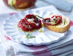Das Rezept für Getrocknete Tomaten in Olivenöl und weitere kostenlose Rezepte auf LECKER.de