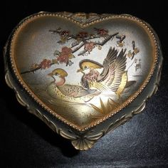 Vintage-Heart-Shaped-Music-Box