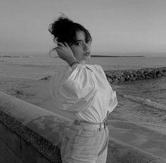 Portrait Photography Poses, Dark Photography, Cute Girl Photo, Girl Photo Poses, Girl Pictures, Girl Photos, Korean Girl Photo, Beautiful Girl Makeup, Cartoon Girl Images