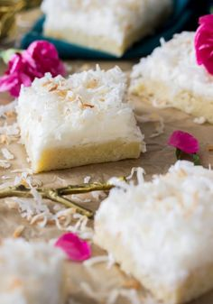 Coconut Cream Bars -- a light coconut frosting over buttery cookie bars Bakery Recipes, Tart Recipes, Sweet Recipes, Cookie Recipes, Coconut Cream Frosting, Cheesecake Oreo, Traditional Easter Desserts, Caramel, Strawberry Desserts