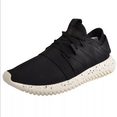 huge selection of fdd01 a1619 adidas Shoes   Adidas Tubular Viral   Color  Black   Size  8