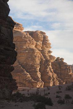 ✭ The sandstone cliffs of the Wadi Rum desert - Jordan