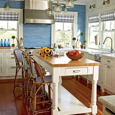 Cottage style kitchen - blue and white