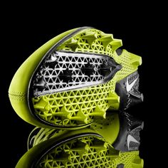 Nike Football Profile first ever 3d printed sports shoe 2    http://www.materealise.com/nike-debuts-first-ever-3d-printed-football-cleat#