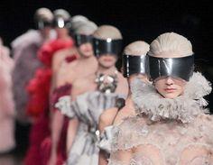 Una pasarela futurista la de la Semana de la moda de París
