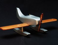 Wooden Plane. Design Ole Søndergaard Wooden Airplane, Wooden Car, Woodworking Projects For Kids, Wood Projects, Wood Crafts, Diy Crafts, Plane Design, Hanging Mobile, Wood Toys