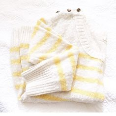 Aerie yellow striped sweater Perfect sweater for colder spring days ! Yellow striped. One small defect is a pulled string. No rips, stains or holes. 3/4 sleeves. Button shoulders. Size large, I wore this oversized. 63% ramie & 37% cotton. aerie Sweaters Crew & Scoop Necks