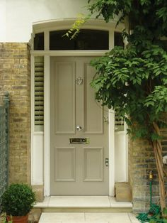 London Doors, Front Door, Victorian / Edwardian Door - without windows Front Door Steps, Front Door Porch, House Front Door, Door Paint Colors, Front Door Colors, Exterior Colors, Exterior Design, Victorian Front Doors, Edwardian House