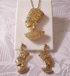 Queen Nefertiti Necklace Earrings Gold Vintage Avon Egyptian Revival | PrettyJewelryThingsStore - Jewelry on ArtFire