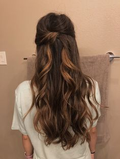 half up half down prom/wedding hair style!