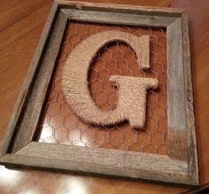 Rustic Barnwood Frame with Twine Initial - finally have an idea how to fill the . - old picture frame - Rustic Barnwood Frame with Twine Initial – finally have an idea how to fill the big empty frame t - Handmade Home Decor, Diy Home Decor, Chicken Wire Crafts, Cuadros Diy, Deco Cool, Home Crafts, Diy Crafts, Barn Wood Projects, Barn Wood Frames