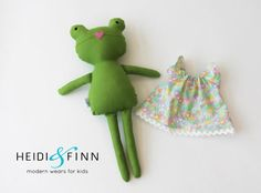NEW from Heidiandfinn! Mini Pal soft rag Dolls - Frogs Perfect for snuggling, squishing and perfectly portable. These make super gifts, nursery and bedroom décor and photo props. These dolls are 100% handmade using designer cotton and wool felt embellishments faces are hand embroidered Each doll is one of a kind one of each available: Girl frog with cotton tulip dress and cotton lace accents Boy frog with cotton twill jacket and hand knit scarf Heirloom quality, made to last. Perfect for…