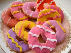 I have to do this!! they will go so well with my Battenberg!