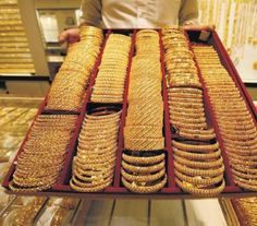 Gold to take cues from overseas data