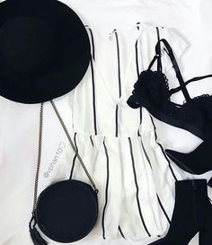 Hot Summer Outfits, Cool Outfits, Fashion Outfits, Womens Fashion, Basic Style, My Style, Look Boho, Tee Shirt Designs, Everyday Outfits