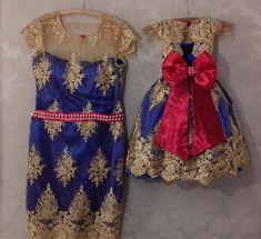 MÃE E FILHA BRANCA DE NEVE LUXO - Alta costura - Bordado com pérolas - Alto padrão de qualidade em tecidos e acabamentos - Atendimento personalizado - Armazenamento e postagem corretos. -------------------- OBSERVAÇÕES IMPORTANTES: - Prazo mínimo de 20 dias para postagem do produto ... Tulle Dress, Sequin Dress, Lace Dress, Tutu Azul, Disney Outfits, Kids Outfits, Snow White Outfits, Beauty And Beast Birthday, Twin Baby Clothes