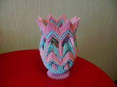 PRESENT - 3D Origami - Pink and blue vase (papercraftcentral.net, admin, 2011)