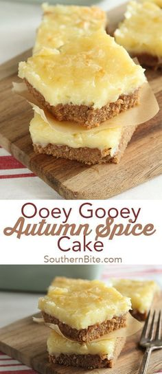 Gooey Autumn Spice Cake This Ooey Gooey Spice Cake combines the flavors of fall with the classic gooey butter cake!This Ooey Gooey Spice Cake combines the flavors of fall with the classic gooey butter cake! Fall Dessert Recipes, Easy Cake Recipes, Just Desserts, Fall Recipes, Spice Cake Mix Recipes, Easy Fall Desserts, Weight Watcher Desserts, Dessert Simple, Low Carb Dessert