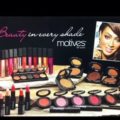 Beauty in Every Shade... Motives for La La
