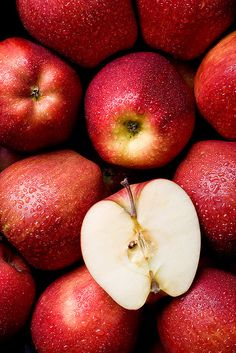 Dewy fresh apples  Apples are filled with soluble fiber (5 grams). This fiber has been shown to reduce intestinal disorders, including diverticulitis, hemorrhoids and possibly some types of cancer. It helps control insulin levels by releasing sugar slowly into the bloodstream. It cleanses and detoxifies, which helps eliminate heavy metals, such as lead and mercury.
