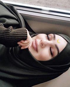 ✨ _________________ Bu doğru, şu yanlış: bunları biliyorsun da kendin eğri misin doğru musun?! Bir bak! // Mevlana Girl Hijab, Hijab Outfit, Muslim Fashion, Hijab Fashion, Muslim Girls, Fashion Couple, Mode Hijab, Girl Quotes, Scarf Styles