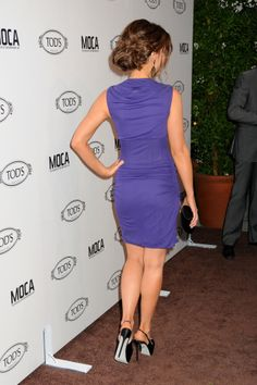 Kate Beckinsale legs and booty in a short purple dress and sky high heels