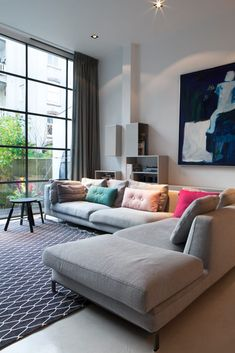 Decorating an Eclectic Contemporary Living Room Living Room Color Schemes, Paint Colors For Living Room, New Living Room, Living Room Modern, Home And Living, Living Room Designs, Sofa Design, Interior Design, Contemporary Living Room Furniture
