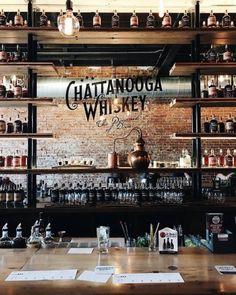 back bar mirrors Pub Bar, Café Bar, Deco Restaurant, Rustic Restaurant, Restaurant Design, Cafe Design, Pub Interior, Bar Interior Design, Pub Decor