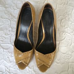 Shoes Great condition , low heel Shoes