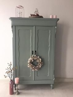 Discover recipes, home ideas, style inspiration and other ideas to try. Brocante France, Brocante Paris, Paint Furniture, Furniture Makeover, Cute Room Decor, Country Interior, Repurposed Furniture, Home And Living, Interior Decorating