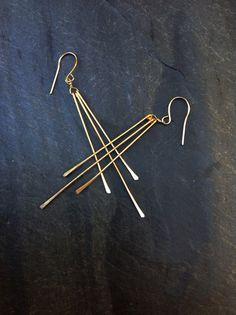 Boucles d'oreilles géométriques lingot d'or par LoopHandmadeJewelry, $40.00