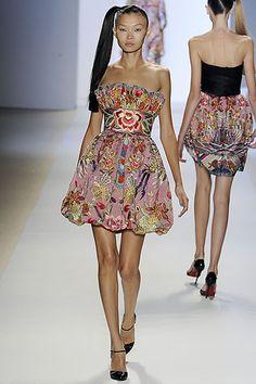 http://thebuzz.dianejameshome.com/wp-content/uploads/2009/07/naeem-khan-dress.jpg