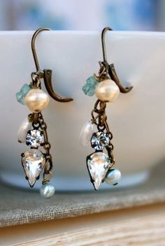 Elizabeth. crystal,rhinestone,pearl,gemstone earrings,bridal jewelry. tiedupmemories