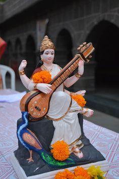 2 tracks in the style of Indian Classical music by Rob Blaine. Saraswati Goddess, Durga, Hindu Deities, Hinduism, Navratri Images, Radha Krishna Wallpaper, Meditation Music, Lord Shiva, Gods And Goddesses
