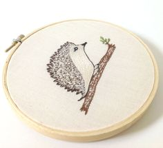 Kunst - Süße Igel Woodland Stickerei-Kunst - ein Designerstück von sparrowsnest bei DaWanda