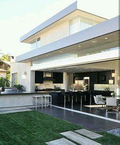 Warm, Cozy Residence in Orange County - Modern Design Patio, Design Exterior, Outdoor Kitchen Design, Home Interior Design, Outdoor Kitchens, Luxury Kitchens, Design Homes, Modern Kitchens, Interior Garden