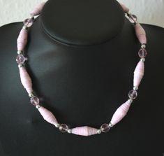 Rosa Papierkette - atelier-ideenreich Beaded Necklace, Shopping, Jewelry, Pink, Atelier, Diys, Schmuck, Beaded Collar, Jewlery