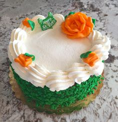Classic buttercream gets the St. Paddy's touch! #carlosbakery #stpatricksday
