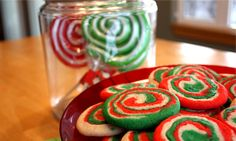 Holiday Swirl Cookies gotta try this, this year for christmas! Cute Cookies, Holiday Cookies, Holiday Treats, Christmas Treats, Holiday Recipes, Christmas Stuff, Holiday Fun, Christmas Time, Merry Christmas