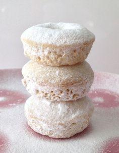 Powdered suger mini donuts von SweetOoh auf Etsy, 10.00