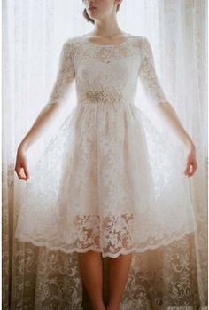 Vintage Knee Length Long Sleeve Lace Wedding Dress