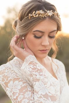 Wedding hairstyle, desert wedding, chic bridal up-do, curled tendrils, headband, pin to your own bridal inspiration board // Riane Roberts Photography