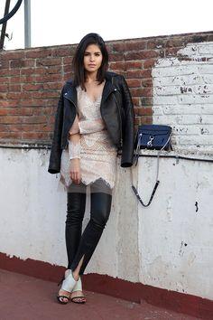 06-Lulus-cekiny-dress-granatowy-coat-chłopak-isaac-Mizrahi-bow-pompy-party-strój-ootd