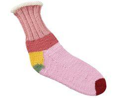 私はこのクローバーのサイトで靴下の編み方をマスターしました。動画もあるので、途中で迷っても大丈夫。ミニ輪針は便利です。
