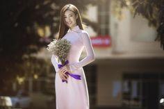 Trọn bộ ảnh kỷ yếu của HH Mỹ Linh, nhìn bạn học bị Hoa hậu 'DÌM' thảm hại mà thương - Tin tuc 24H
